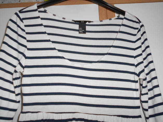 b9798bd022af H M Kleid marine blau weiß gestreift Sommerkleid H M Kleid marine blau weiß  gestreift Sommerkleid .