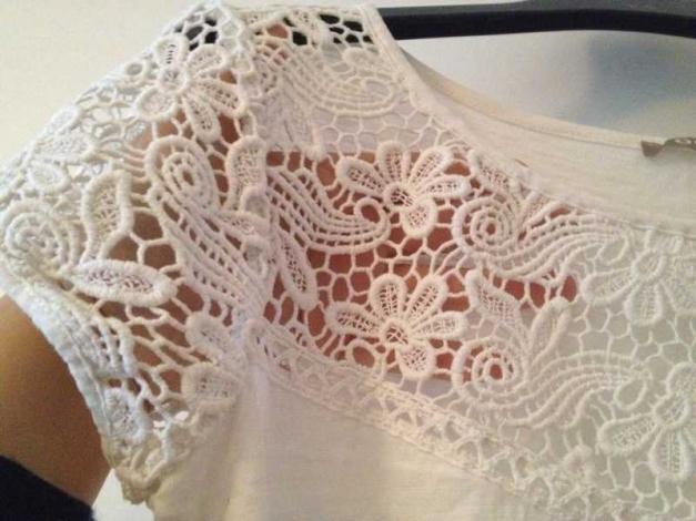 090121fdd614e5 orsay - Shirt top Tunika weiß Spitze lochmuster häkelborte blumen ...