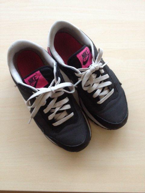 7aa118f50a Nike-Sneaker