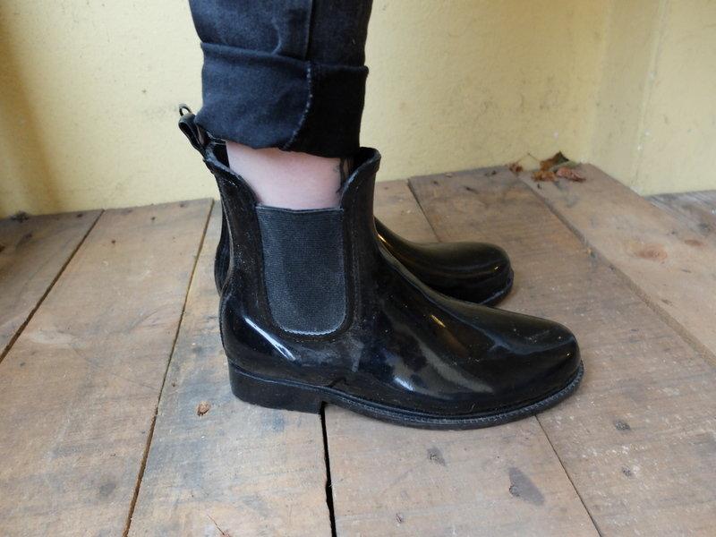 wholesale dealer ac3c7 c1e8a halbhohe Gummistiefel Chelsea Boots Style Hipster Blogger Festival