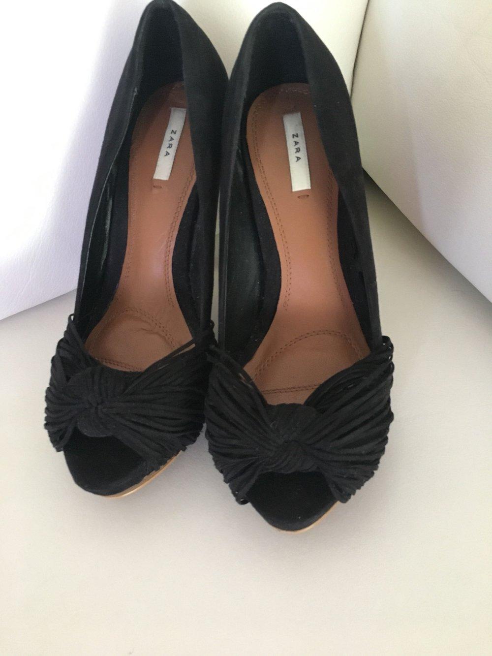 Zara High Heels Pumps Schwarz Lack 38 shabby