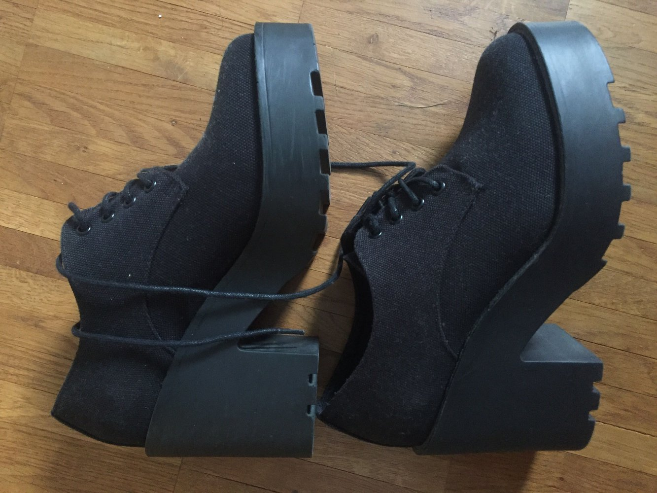 best sneakers 75aba 23995 schwarze Plateauschuhe
