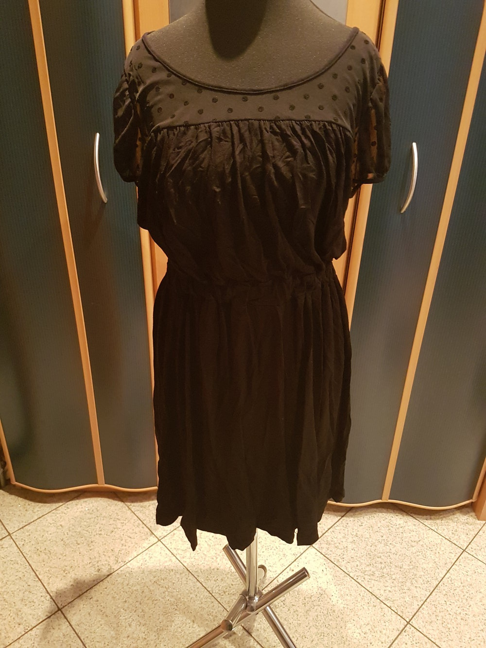 zalando essentials - schwarzes kleid von zalando