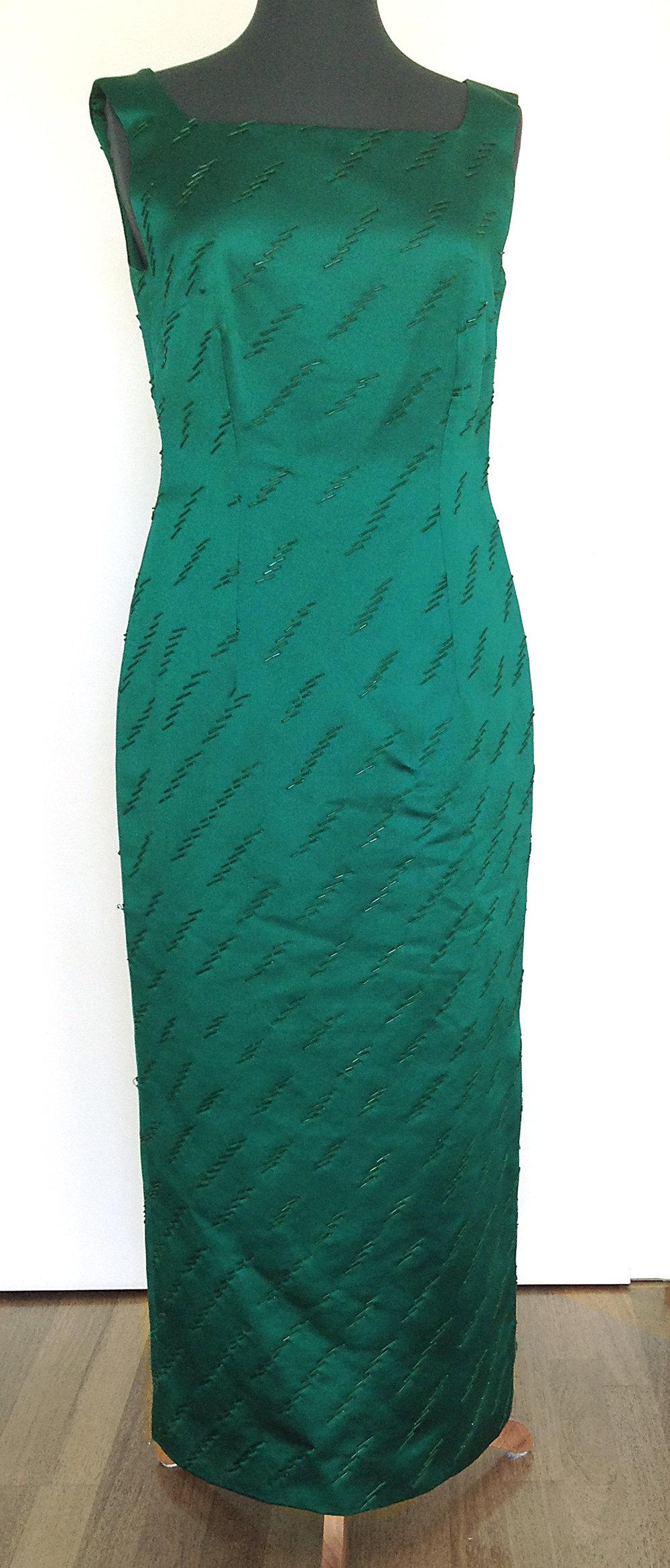 feine handwerkskunst klassischer Chic Luxus kaufen Smaragdgrünes Abendkleid mit Glasperlen bestickt
