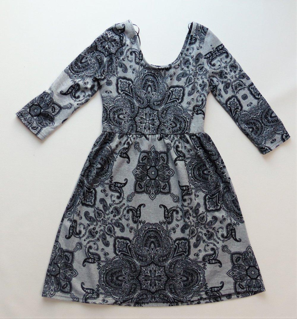 Damen Kleid Colloseum Gr S 36 38 Sehr Guter Zustand Grau Schwarz Madchen Kleiderkorb At