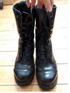 Tamaris Boots Stiefel Hipster rote Schnürsenkel und Nähte