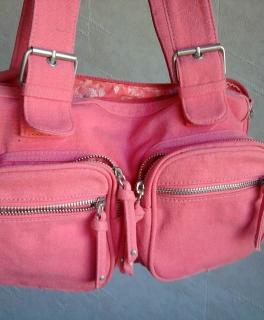 9752934b8d62e Sportliche Handtasche in pink ...